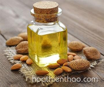 Cách sử dụng tinh dầu hạnh nhân cho da sáng hơn 2