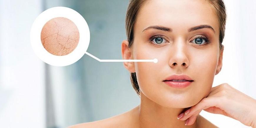 Có nên dùng serum dưỡng ẩm MartiDerm cho da khô không?