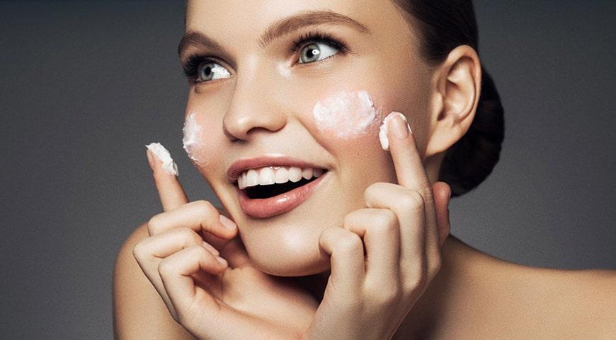 Kem nào dưỡng trắng da nâng cơ mặt tốt nhất?