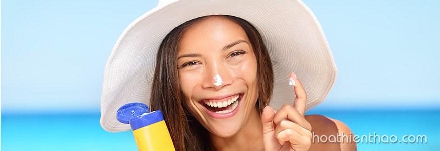 2. Tôi nên sử dụng loại kem chống nắng nào?
