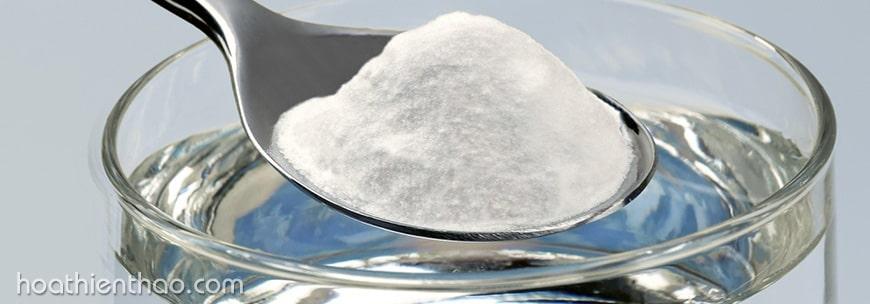 Trị mụn hiệu quả với nước muối sinh lý