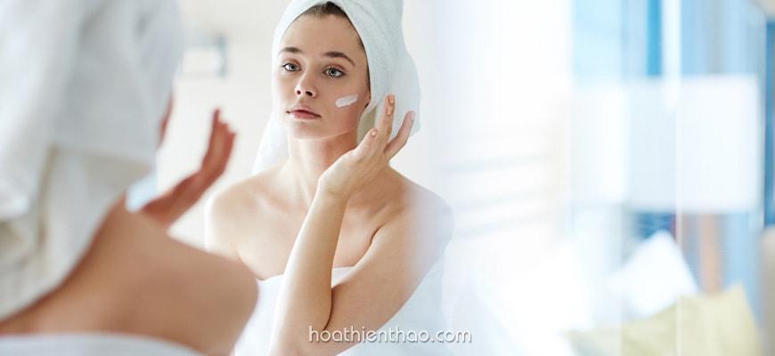 Dưỡng ẩm làn da trước khi sử dụng chống nắng