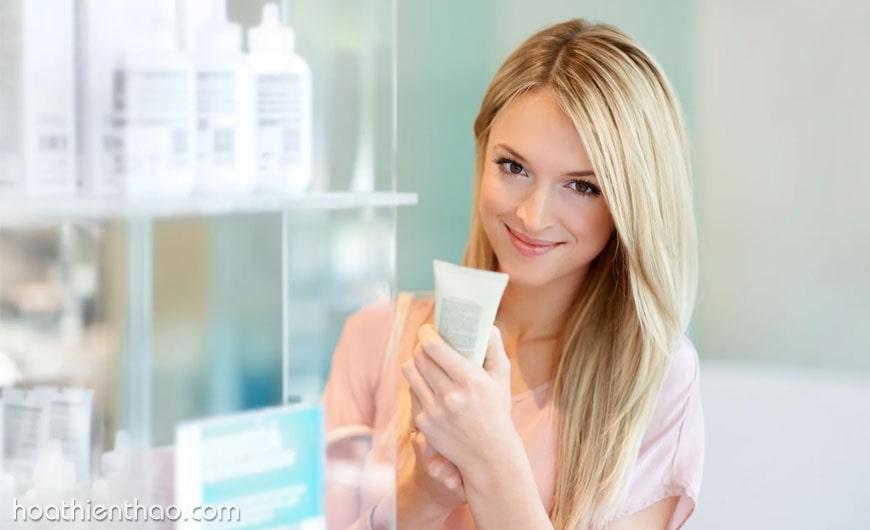 Lựa chọn kem trị sẹo với giá cả phù hợp