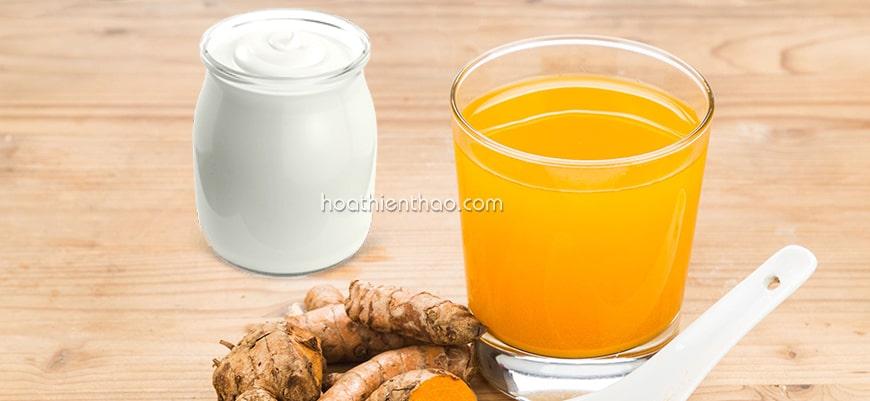 Trị mụn hiệu quả tại nhà nhờ sữa chua và nghệ tươi
